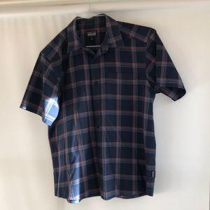 Patagonia men's short sleeve cotton button down